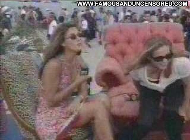 Alicia Silverstone No Source Bra Breasts Big Tits Celebrity