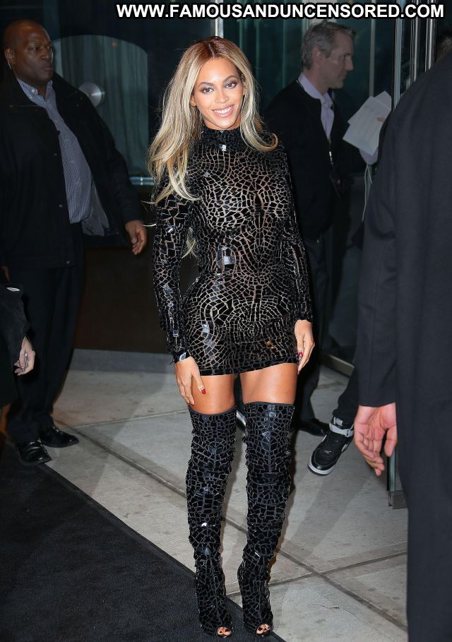 Beyonce Knowles No Source Famous Posing Hot Big Ass Ebony Blonde