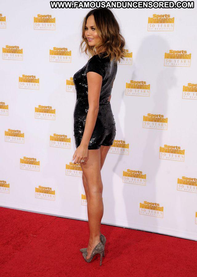 Chrissy Teigen No Source Posing Hot Posing Hot Sexy Celebrity Famous
