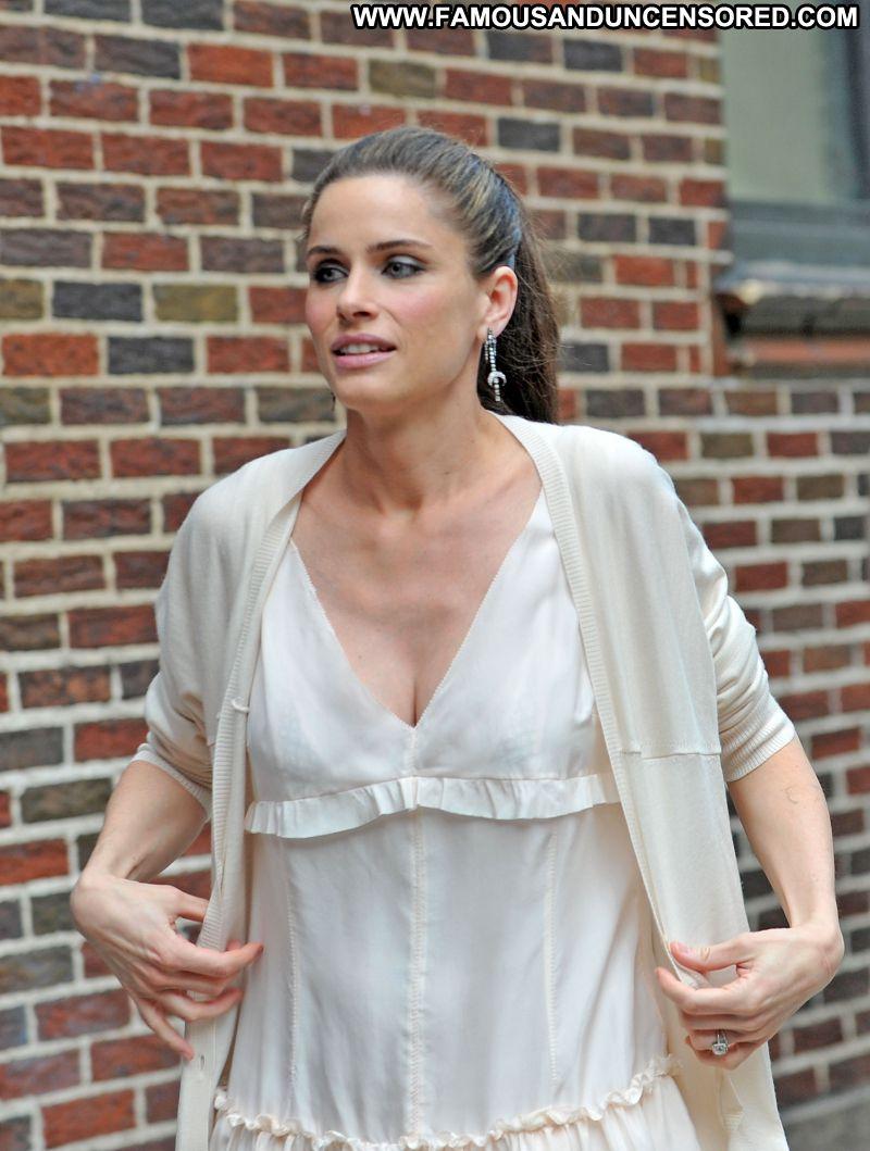 Amanda Peet No Source Celebrity Beautiful Babe Posing Hot