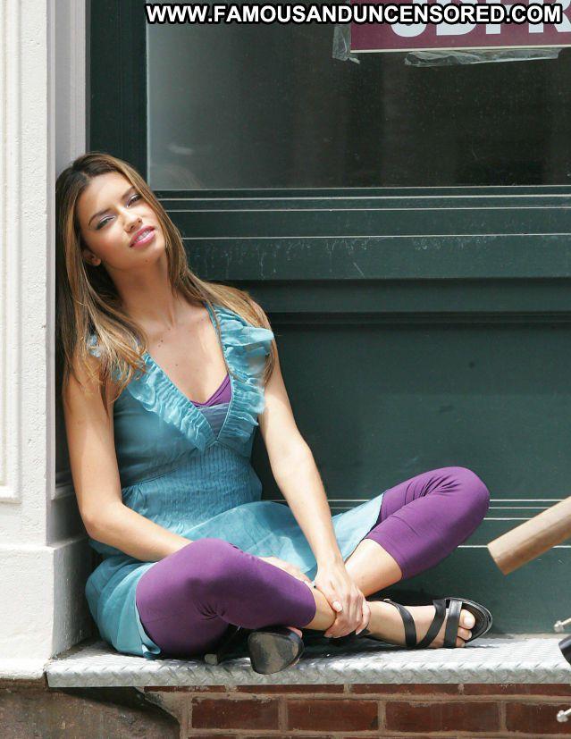 Adriana Lima No Source Latina Hot Cute Celebrity Celebrity Posing Hot