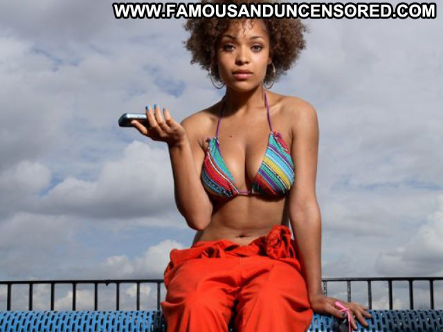 Antonia Thomas No Source  Cute Babe Ebony Famous Big Tits Posing Hot
