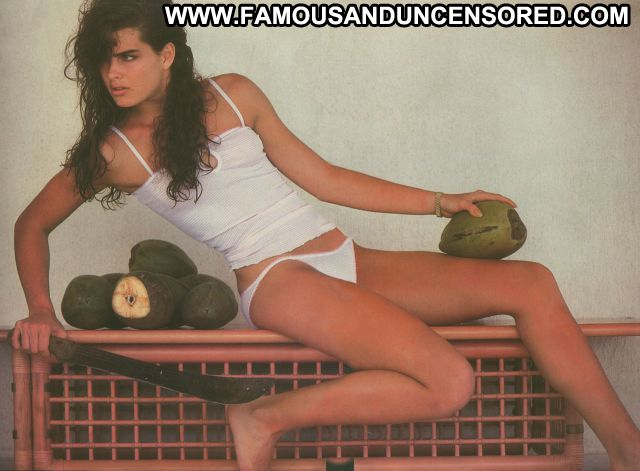 Brooke Shields Actress Celebrity Brunette Cute Babe Famous Hot