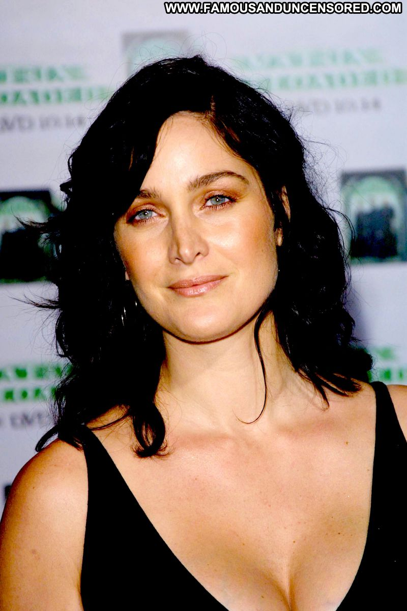 Carrie Anne Moss Celebrity Posing Hot Babe Celebrity Actress Showing Tits Famous Posing Hot Cute ...