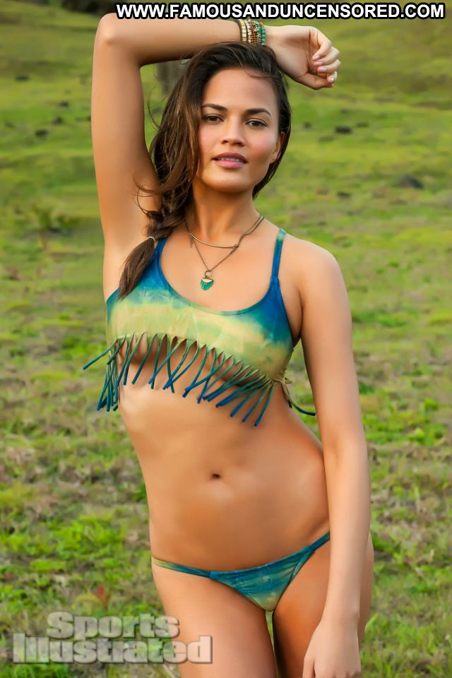 Chrissy Teigen No Source Babe Posing Hot Tits Celebrity Cute Famous