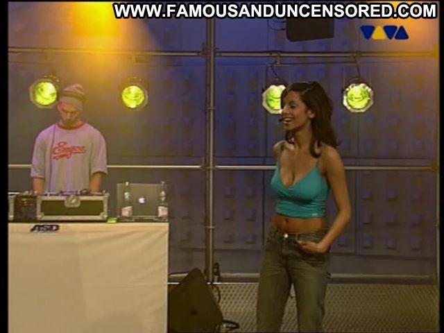 Collien Fernandes No Source Posing Hot Showing Tits Tits Brunette
