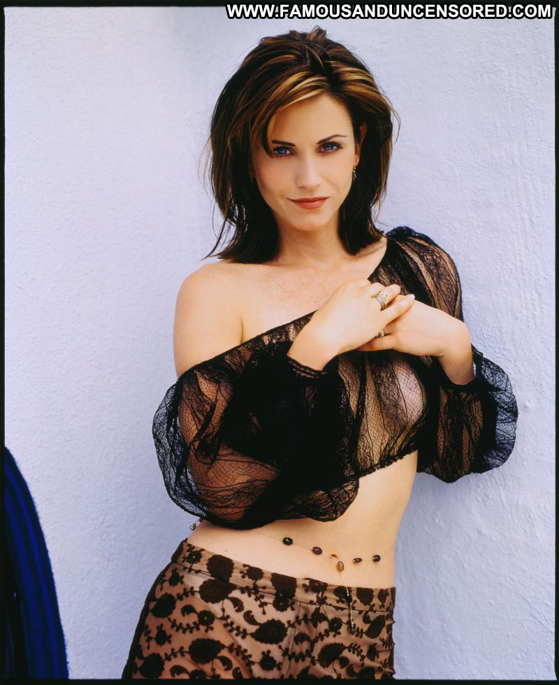 Courteney Cox Celebrity Posing Hot Babe Celebrity Actress Showing Tits Famous Posing Hot Cute ...