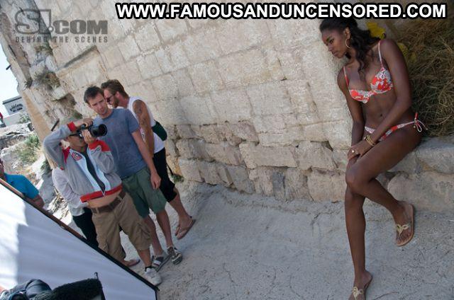 Damaris Lewis No Source Cute Hot Babe Bikini Posing Hot Ebony