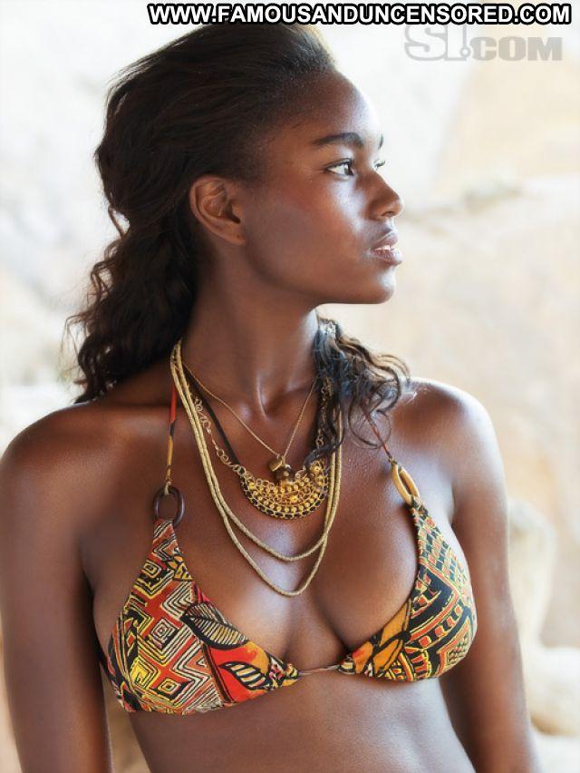 Damaris Lewis No Source Posing Hot Hot Celebrity Celebrity Bikini