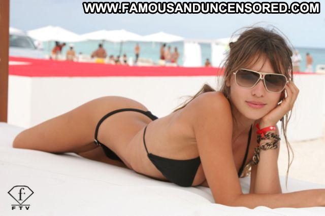 Pampita No Source Posing Hot Celebrity Celebrity Latina Ass Showing