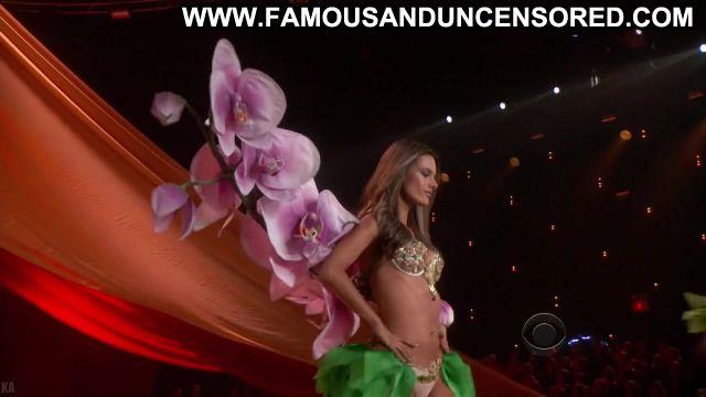 Alessandra Ambrosio Victorias Secret Fashion Show Sexy Fashion Nude