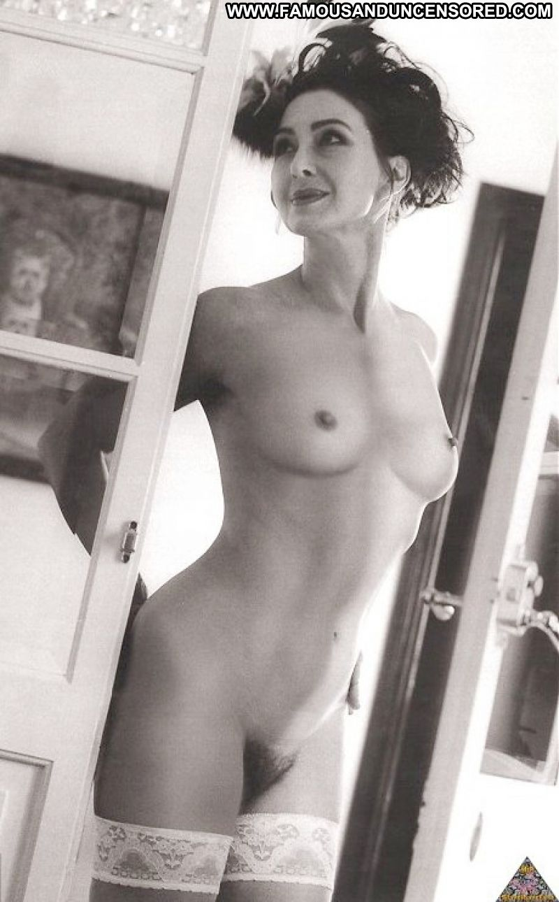 Black bodybuilder woman nude