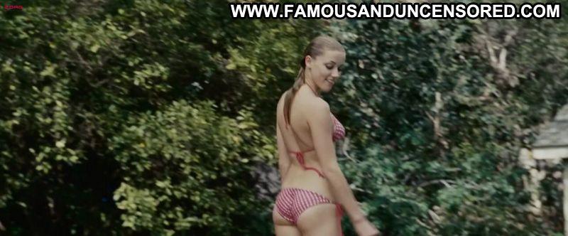 Sexy amber bikini heard