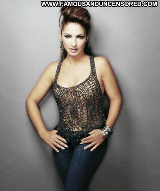 Gloria Estafan No Source Posing Hot Latina Famous Hot Cute Singer