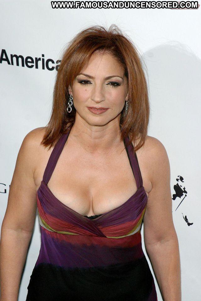 Gloria Estafan No Source Singer Latina Posing Hot Babe Cute Celebrity