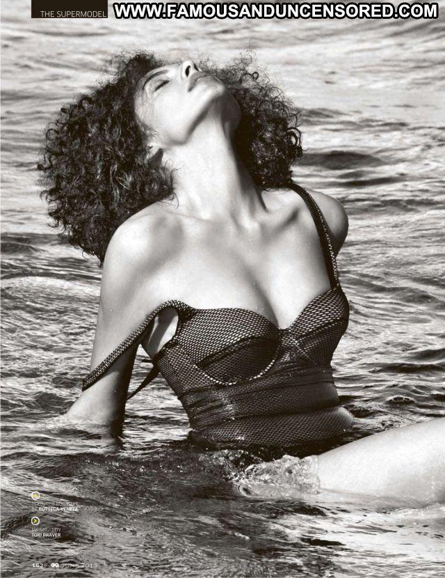 Indrani Dasgupta Beach Posing Hot Celebrity Beautiful Female