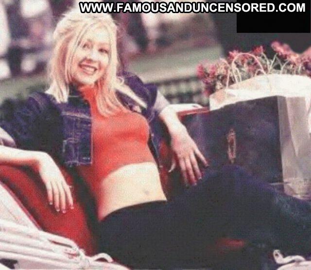 Christina Aguilara Nude Sexy Scene Blue Eyes Singer Blonde