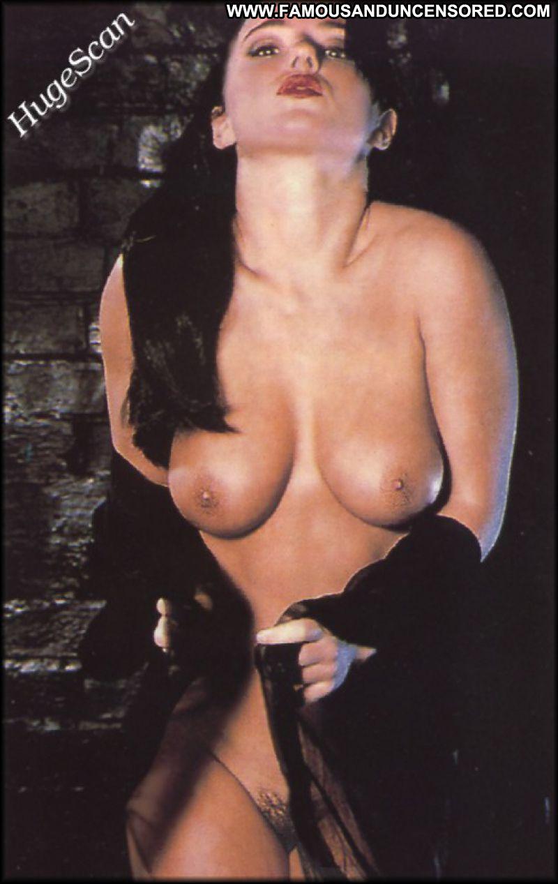 Geri halliwell boob