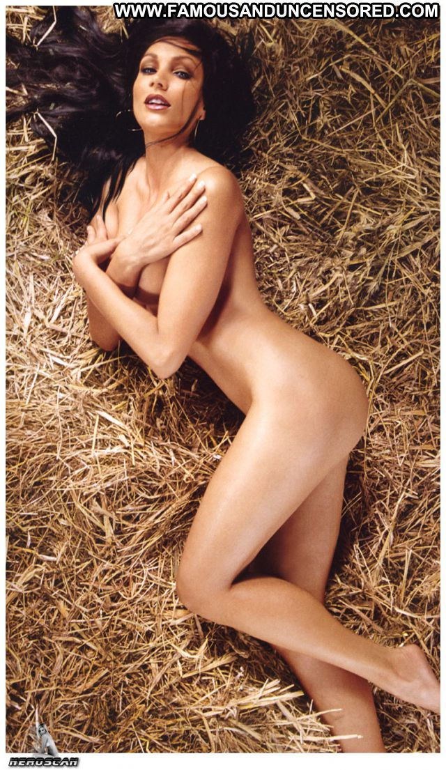 Luisa Corna No Source Posing Hot Tits Big Tits Babe Celebrity
