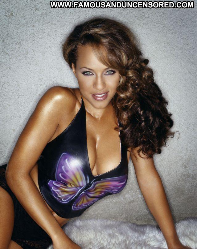 Leila Arcieri No Source Bikini Posing Hot Famous Lingerie Babe Hot