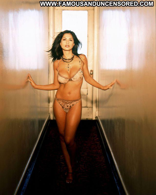 Sandra Ramirez No Source  Famous Babe Cute Posing Hot Latina Posing