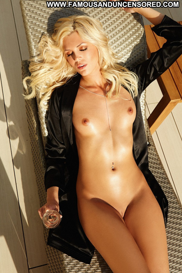 Carly Lauren D Mode Hot Sex Blonde Playmate Babe Babe Posing Hot