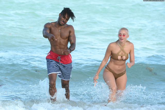 Twitter The Beach Sex Sexy Posing Hot Babe Twitter American Bikini