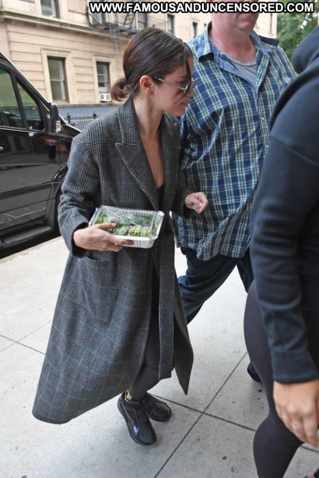 Selena Gomez No Source Paparazzi Nyc Celebrity Posing Hot Babe