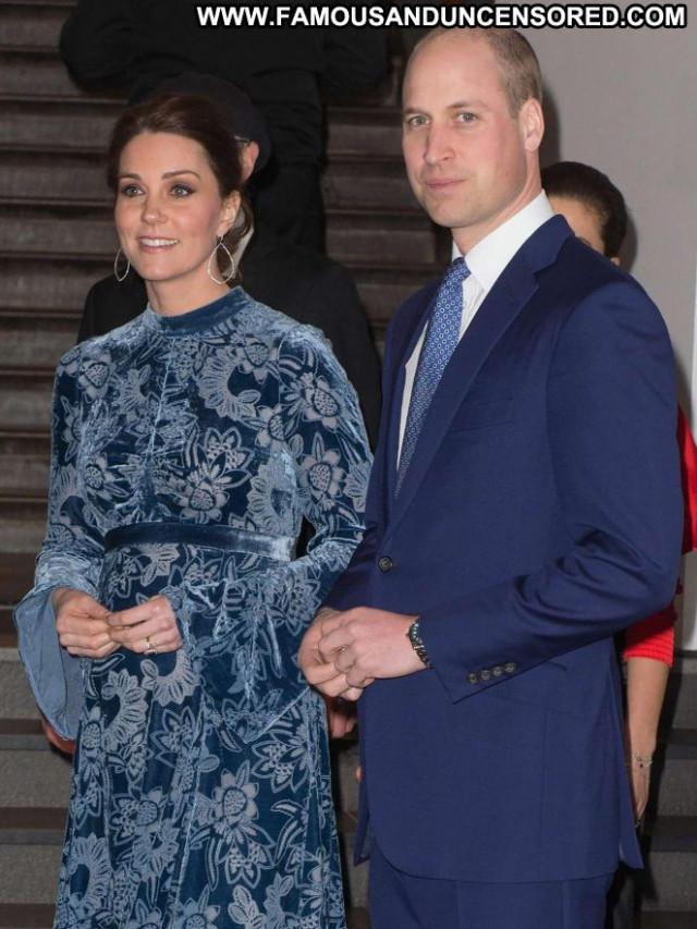 Kate Middleton No Source Paparazzi Celebrity Posing Hot Babe Swedish