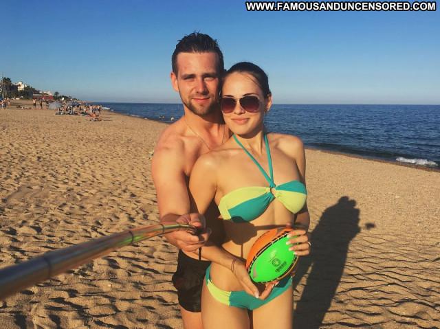 Natalie Jayne Roser No Source Celebrity Babe Posing Hot Spa Bus