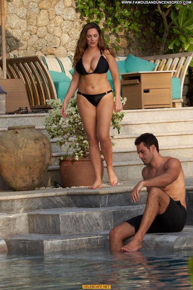 Kelly Brook No Source  Celebrity Cleavage Bikini Posing Hot Babe