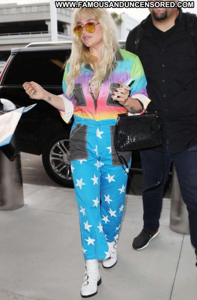 Kesha Sebert Lax Airport Posing Hot Los Angeles Paparazzi Beautiful