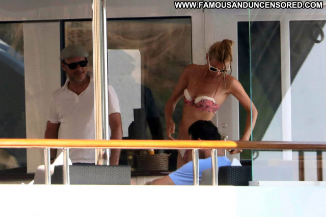Amber Davis Aly Michalka Erotic Big Tits Park Beautiful Leaked