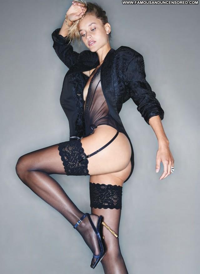 Jennifer Nicole Lee D Mode Female Asses Posing Hot Celebrity Model