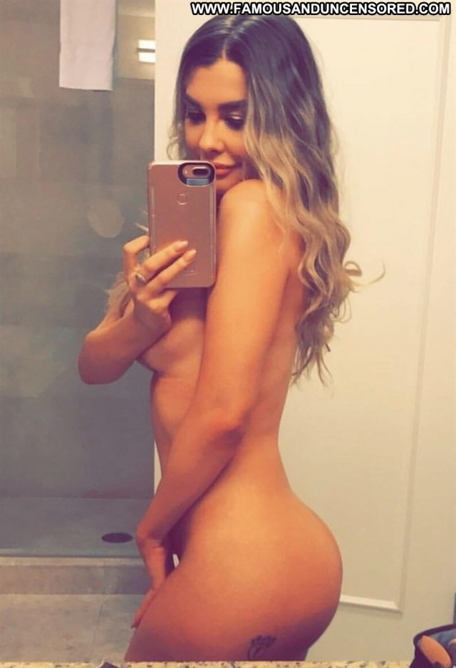 Emily Sears No Source Babe Tits Big Tits Extreme Nude Sea Selfie