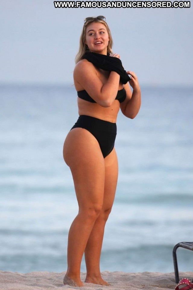 Iskra Lawrence The Beach Paparazzi Black Celebrity Posing Hot Beach