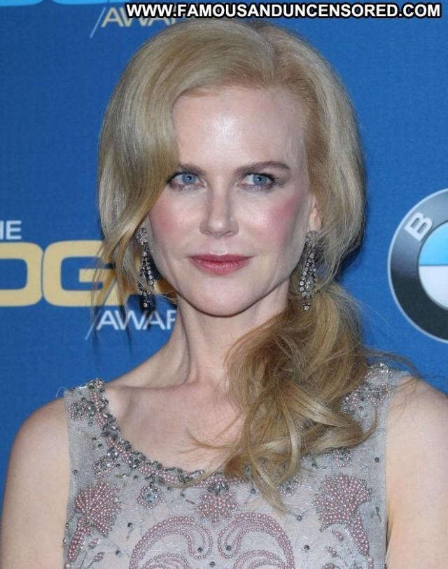 Nicole Kidman Beverly Hills Paparazzi Awards Posing Hot Beautiful