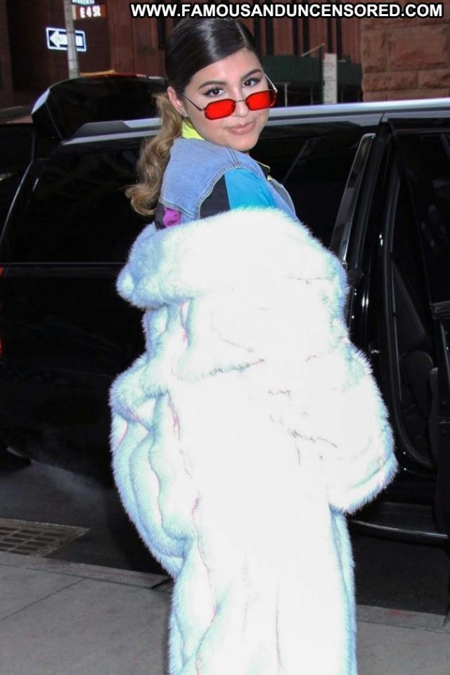 Sunny Malouf New York Posing Hot Babe Paparazzi Beautiful Celebrity
