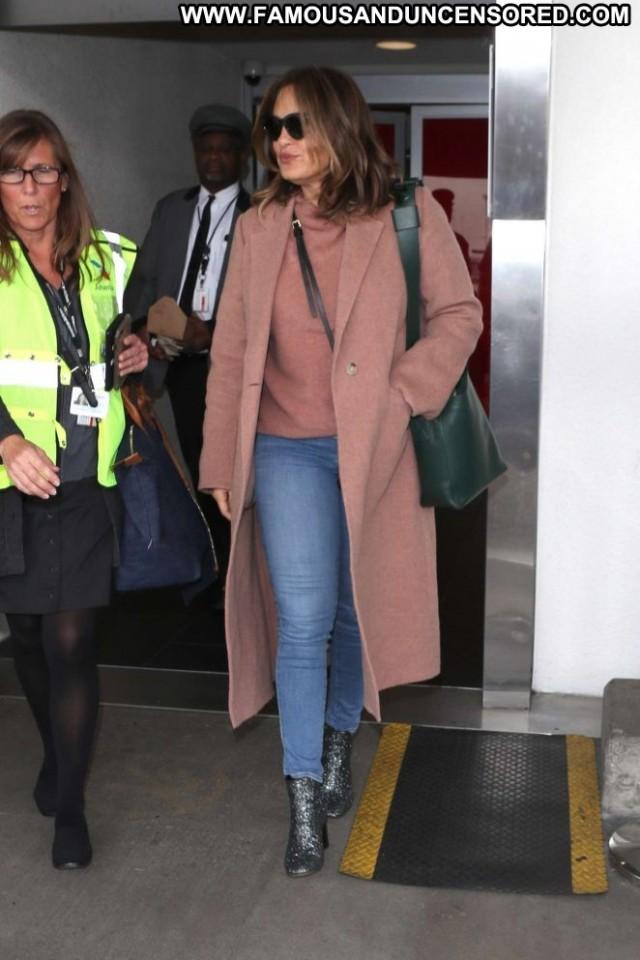 Mariska Hargitay Lax Airport Celebrity Babe Posing Hot Beautiful Lax