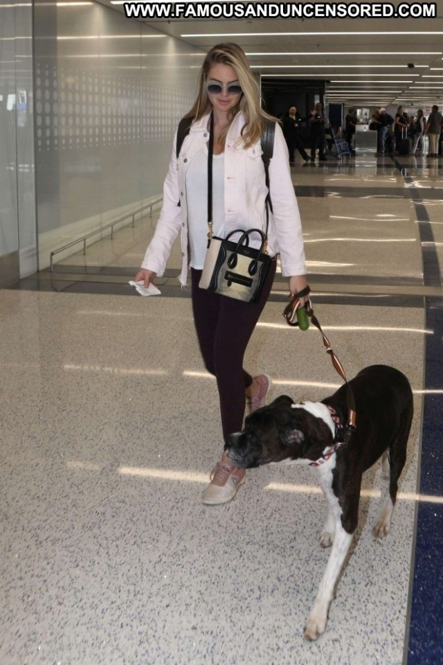 Kate Upton Lax Airport Angel Posing Hot Celebrity Los Angeles Lax
