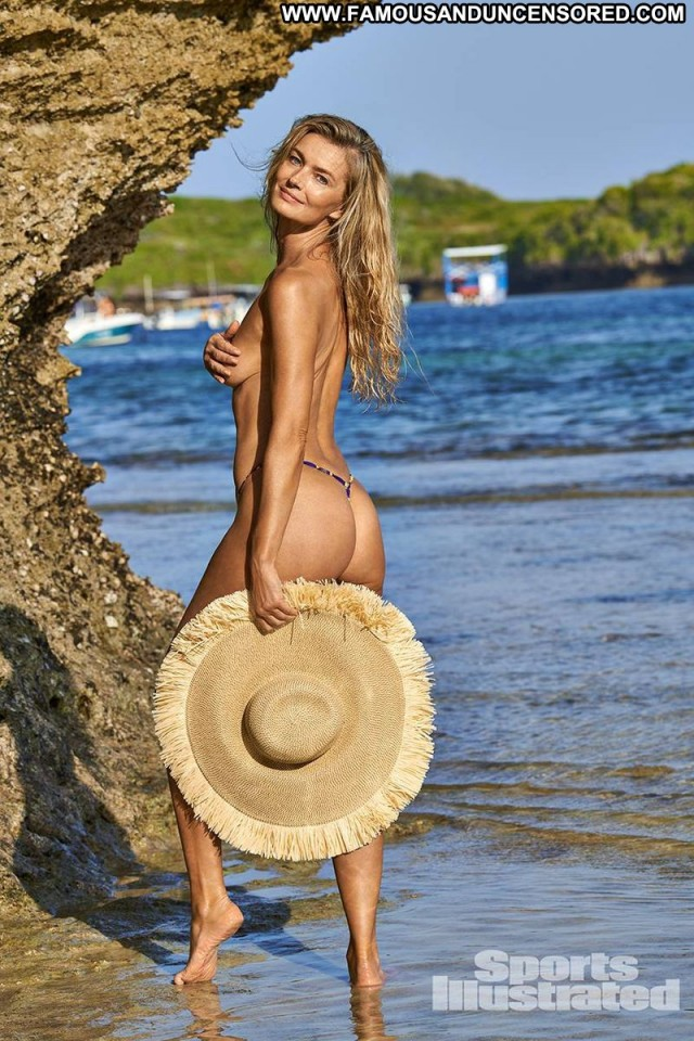 Samantha Hoopes Sports Illustrated Bikini Car Model Babe Sex Sexy