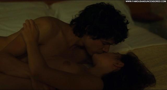 Lola Crton Un Amour De Jeunesse Posing Hot Celebrity Babe Nude Scene