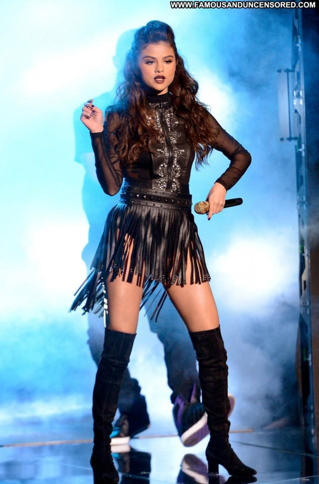 Selena Gomez Performance High Resolution Posing Hot Los Angeles