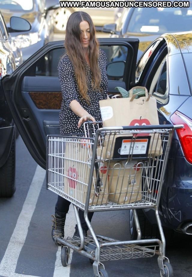 Alanis Morissette Shopping  Beautiful Shopping High Resolution