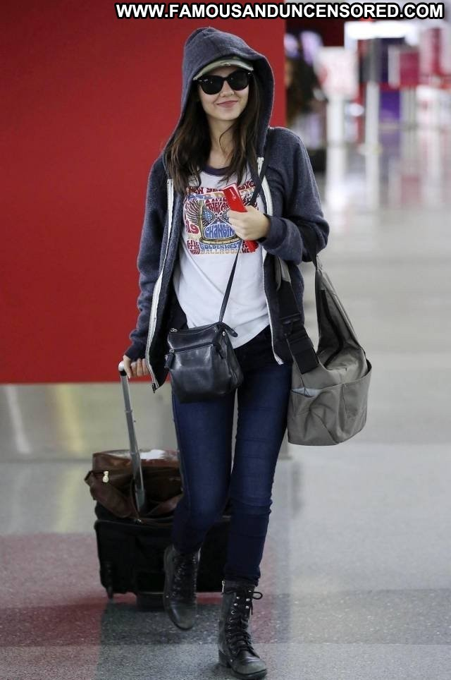 Victoria Justice Lax Airport Celebrity Beautiful Posing Hot Candids