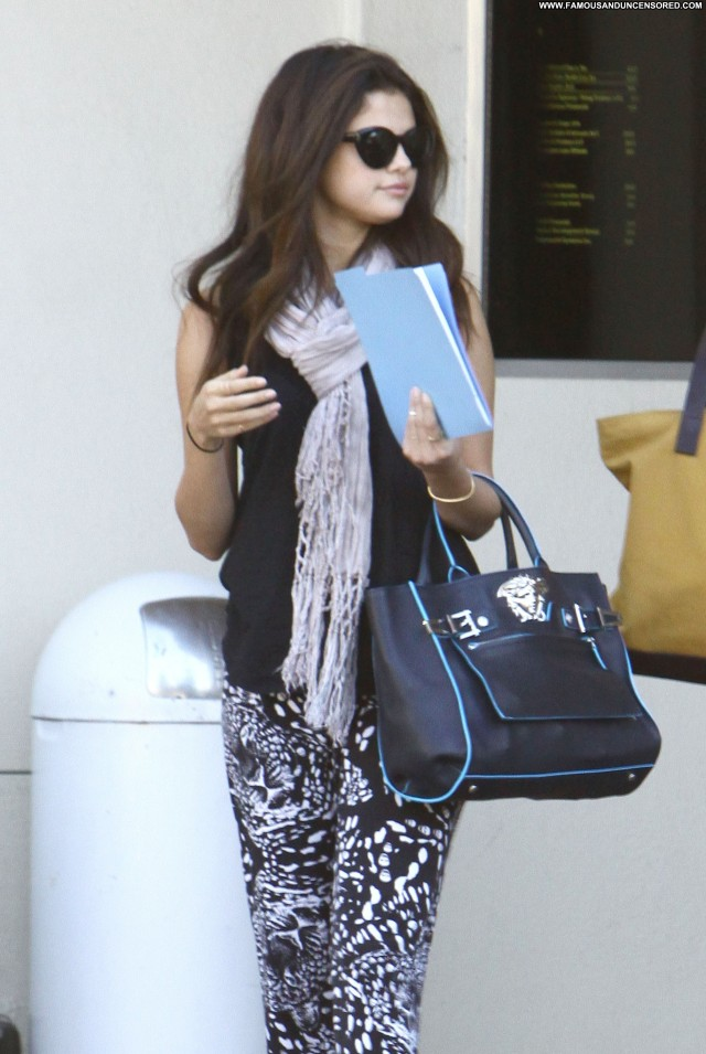 Selena Gomez Los Angeles Candids Celebrity Beautiful High Resolution