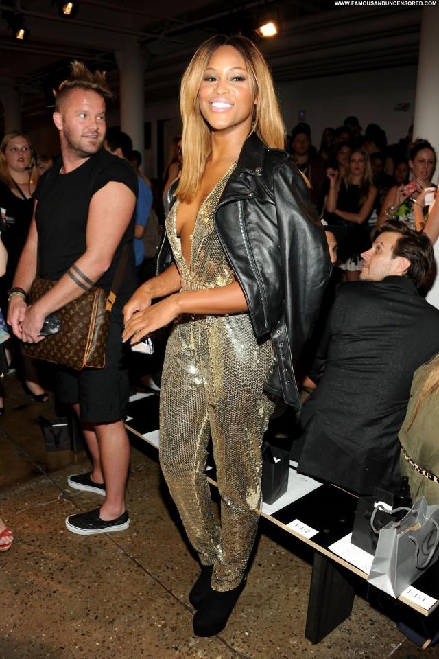 Ariana Grande Fashion Show Candids Babe Beautiful Club Posing Hot