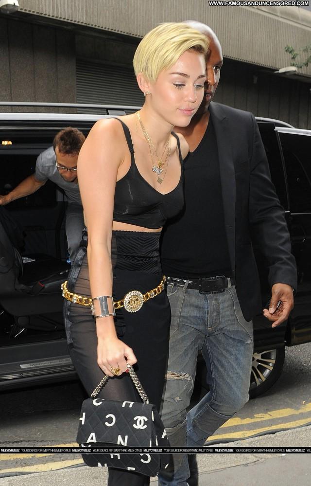 Miley Cyrus No Source Beautiful High Resolution Hotel Babe Posing Hot