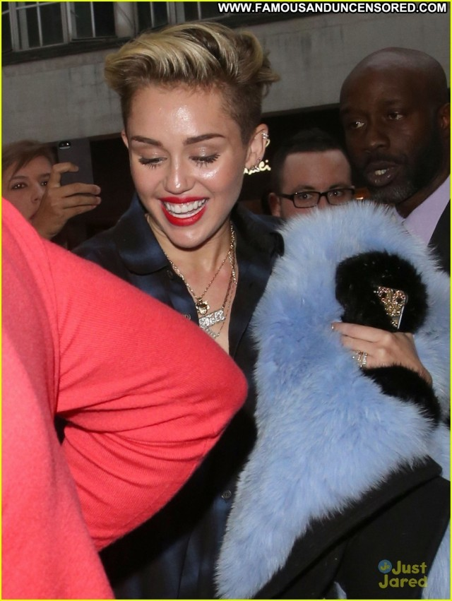 Miley Cyrus No Source High Resolution Posing Hot London Celebrity