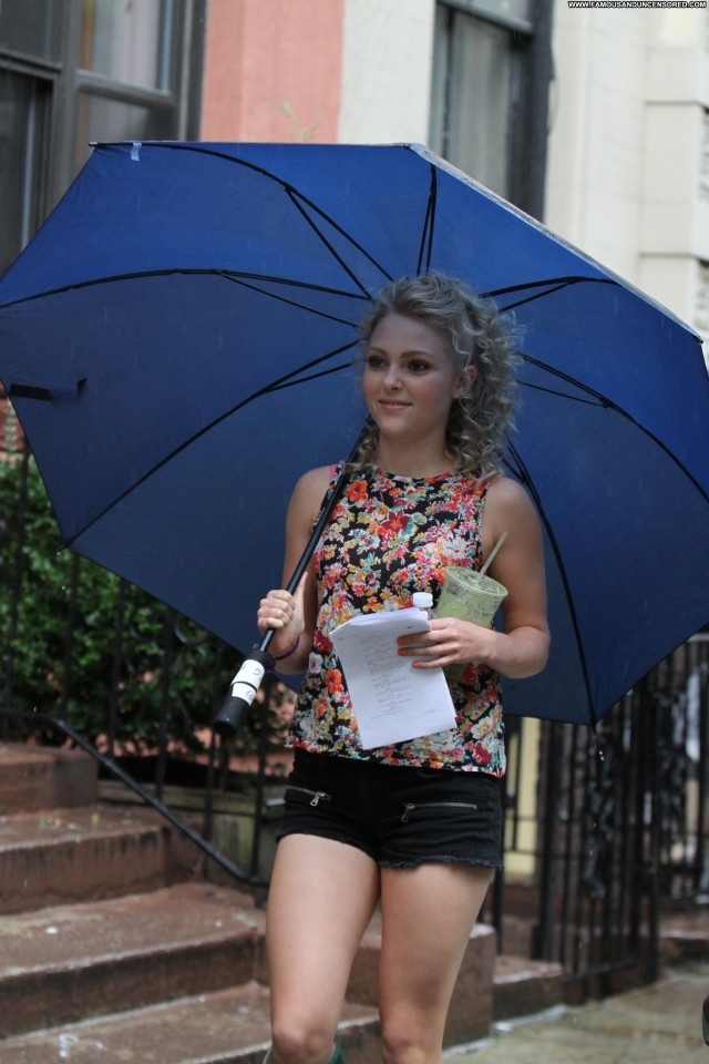 Annasophia Robb The Carrie Diaries Celebrity Posing Hot High